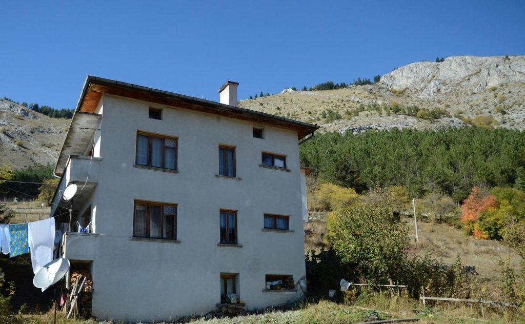 Самостоятелни къщи за гости в Родопите